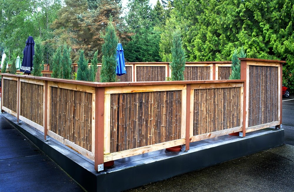 Durable Backyard Fence Ideas with Bamboo Material — Good ...